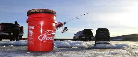 full-ice-fishing1